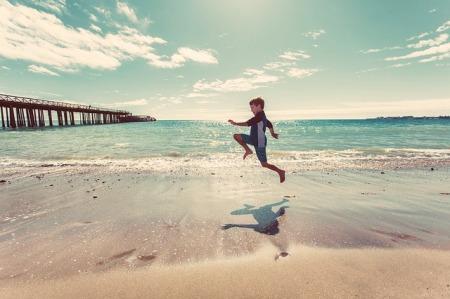 otromundo-alegria-saltar