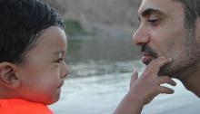 conversacion-mirada-escucha-activa