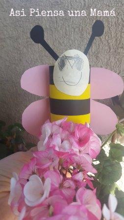 abeja-con-carton