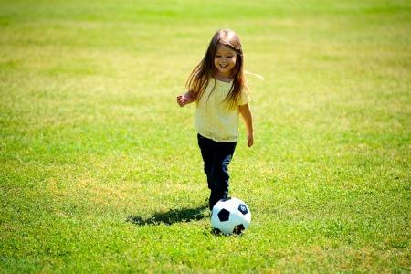 nina-futbol