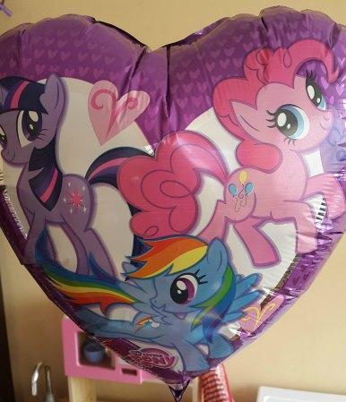 globo-globopolis-pony