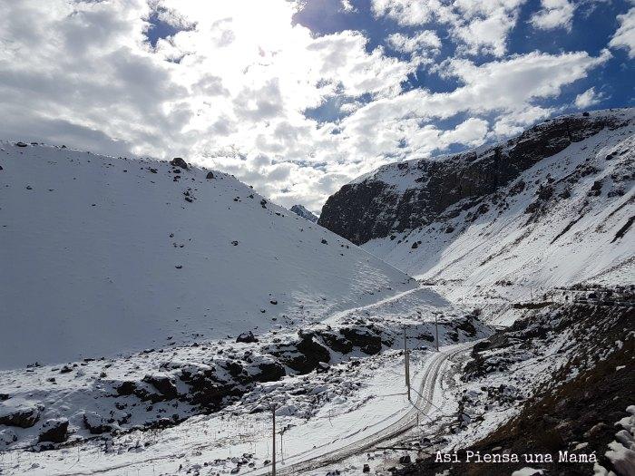 Camino-embalse-nieve