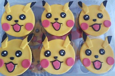 pikachu-cupcakes